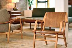 El diseño danés intenta aprovechar todos los rincones de la casa sin recargar los ambientes. Por ello favorece la funcionalidad, creando muebles que tienen más de un uso: los sofás se convierten en camas y las mesas son extensibles y elevables.