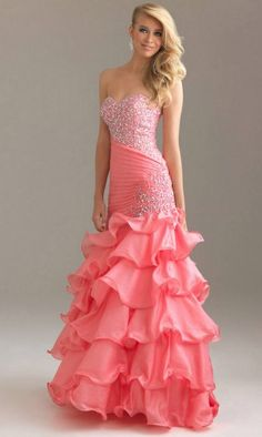 I've hated like all prom dresses but this one catches my eye for some reason-DW