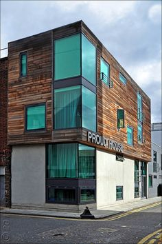 Proud House  11.04 Architects, 2006. Developer: Magri Group. Six apartments built on the site of a former pickling factory in Whitechapel, E1. Pre-fabricated metal frame with brick/render and cedar-wood cladding. Green tinted double-glazed windows. London Borough of Tower Hamlets.