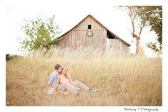 Engagement photos, pose