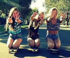 Longboaring with friends.<3