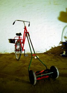 repurposed bike - I need to get my hubby one of these to mow our (future) lawn!