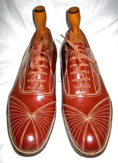 1920 men's Art Deco shoes