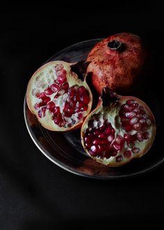 Pomegranates | Aiala Hernando Photography