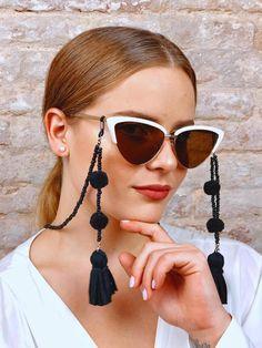 sunglasses chain Do you want to have an Original a - sunglasses Diy Glasses, Mode Kimono, Diy Leather Bracelet, Eyewear, Sunglasses Women, Fashion Accessories, Beaded Jewelry, Chain, Fairy Makeup