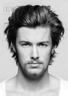 Corte de cabelo mais que perfeito em rosto mais do que lindo...nada à acrescentar, uau.