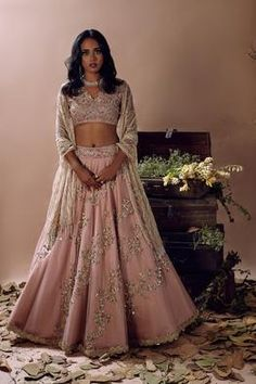 Go Traditional and make your look impressive by wearing Indian designer Lehenga - from top Indian designers in the United States of America. indiasPopup is USA's premier online shopping store for Indian designer lehenga. Indian Wedding Outfits, Bridal Outfits, Indian Outfits, Indian Clothes, Wedding Dresses, Indian Engagement Outfit, Pakistani Outfits, Indian Weddings, Wedding Wear