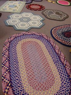 Threads of Miz: Alfred Hook-in Braided Rugs, Beautiful Crochet, Rug Hooking, Diy Home Decor, Diy And Crafts, Cool Stuff, Knitting, Blog, Creative