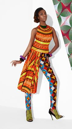 Mirella Bee Pattern Pollinating Visionist and Designer — cutfromadiffcloth: Brand: Vlisco Fantasia. African Dresses For Women, African Attire, African Wear, African Women, African Clothes, African Inspired Fashion, African Print Fashion, Fashion Prints, African Prints
