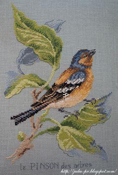 Cross Stitch Bird, Cross Stitch Animals, Cross Stitch Flowers, Cross Stitching, Bird Embroidery, Hand Embroidery Designs, Cross Stitch Embroidery, Embroidery Patterns, Cross Stitch Patterns Free Easy