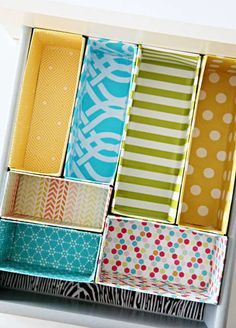 Great budget DIY project for making drawer dividers out of cereal boxes! A cheap, easy and decorative way to keep your drawers more organised in any room of the house/getting organized/ Organisation Hacks, Storage Organization, Storage Ideas, Organizing Drawers, Diy Drawer Organizer, Craft Storage, Cereal Box Organizer, Drawer Storage, Drawer Organisers