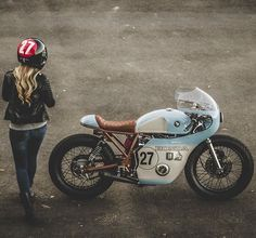 Lovely CB500 by @littlehorsecycles and @enginethusiast with @thunderdolls … Something else ?