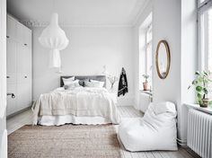 I could not resist to share almost all the photos I found with this beautiful bright Scandinavian apartment! via entrancemakleri The post A dreamy and bright Scandinavian apartment app Bright Apartment, White Apartment, Scandinavian Apartment, Modern Minimalist Bedroom, Modern Bedroom, Bedroom Decor, Bedroom Ideas, Bedroom Mirrors, White Bedroom