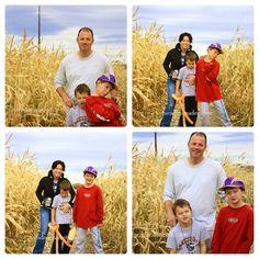 Family photos in the corn maze in Colorado