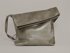 "Crossbody Purse ""Ursula Ecru"", Leather Crossbody Bag, Ecru Colored Bag with Zipper, Italian Leather Bag, Genuine Leather Crossbody Purse"