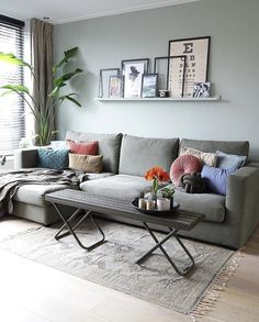 Attractive Living Room Wall Decor Ideas To Copy Asap Simple Living Room, New Living Room, Living Room Decor, Pink Home Decor, Indian Home Decor, Piece A Vivre, Living Room Inspiration, Room Colors, Home Bedroom