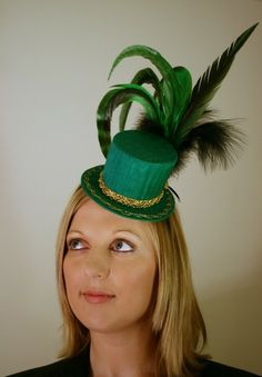 """""""Carousel Rooster"""" Mini Top Hat"""