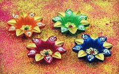 Set Of 4 Earthen Handpainted Puja Diyas Lamps Home Wedding Decor Gifts: Amazon.co.uk: Kitchen & Home