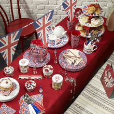 A Diamond Jubilee tea, A lot of Nationalism here but thats all right, there loyal!!