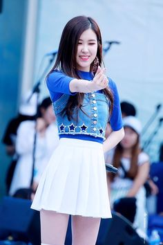 My queen is giving the heart to me :3