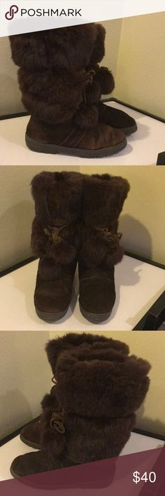 Minnetonka brown suede leather fur boots sz 8 Minnetonka brown suede leather fur boots sz 8 have some wear to suede and light markings slight areas of separation at  rims sold as is Minnetonka Shoes Winter & Rain Boots