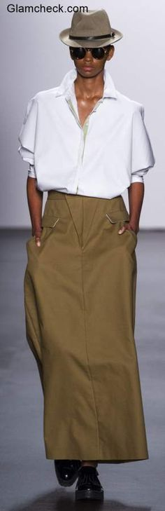Androgynous Look Khakhi Skirt White Shirt Black Formal Shoes, Corporate Chic, Androgynous Look, Shows In Nyc, Crisp White Shirt, Business Formal, Safari, Independent Women, Formal Looks
