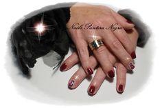 Unhas em Gel cor Violino com nail art feita á mão