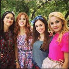 Francesca, Camila , Lara y Ludmila