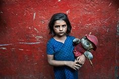 Steve McCurry. Mumbai, India (Children)