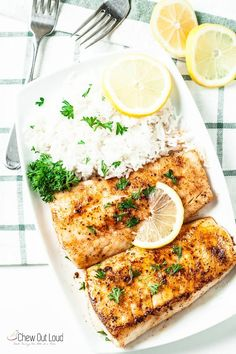 Easy Lemon Butter Fish in 20 Minutes Sweet. One Bite at a Time.Easy Lemon Butter Fish in 20 MinutesThis Easy Lemon Butter Fish only takes 20 minutes and a handful of ing Healthy Recipes, Healthy Snacks, Cooking Recipes, Cooking Food, Dishes Recipes, Cooking Turkey, Easy Cooking, Healthy Weeknight Dinners, Easy Meals