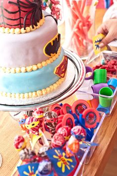 Kids super hero birthday party ideas treat station @mycityphotos Vancouver photography and events