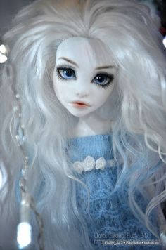 dolls made in italy Click Visit link for more info - Caring For Your Collectable Dolls. miniature dolls for dollhouse Custom Monster High Dolls, Monster High Repaint, Custom Dolls, Pretty Dolls, Beautiful Dolls, Ooak Dolls, Art Dolls, Ever After Dolls, Doll Painting
