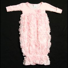 http://bebemondeshop.com/collections/specialty-layette/products/flower-puff-specialty-sac