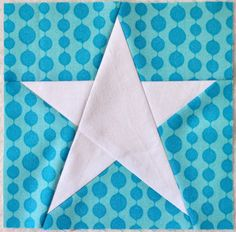This is a paper piecing pattern for a Simple Star! A great beginner pattern, with simple yet stunning results. Who doesnt love stars?!    This