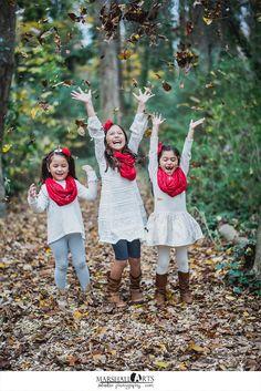 Chesapeake Virginia Chesapeake Arboretum Christmas Family Outdoor child Photo Session Red and White