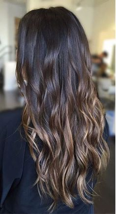 From dark to lighter brunette, this color melt is perfect. Color by Bailey.