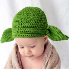 Baby Yoda Hat #Under-$50 #For-Baby #Gifts-For_Geek-Gifts