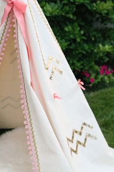 Gorgeous girlie teepee by pintopony