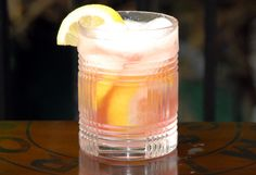 Royal lemonade with vodka, cranberry and champagne.