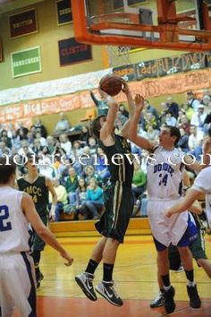 St. Mary Catholic Central vs. Dundee basketball, March 2011. Photo by Bryan Bosch for The Monroe Evening News.
