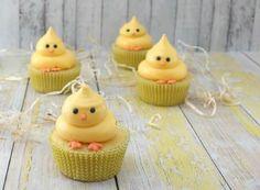 Cupcake de Pasqua (conills, ous i pollets) - totnens Easter Cupcakes, Easter Cookies, Easter Treats, Easter Food, Spring Cupcakes, Flower Cupcakes, Christmas Cupcakes, Easter Baking Ideas, Spring Cake