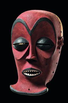 "Male mask ""cihongo"", D.R. Congo, Chokwe"