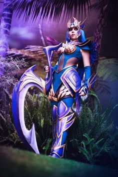 Dark Valkyrie Diana from League of Legends Cosplayer: Kamui Cosplay