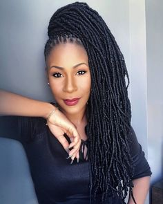 My WCW goes to @missrii A phenomenal woman and such a inspiration to the woman I'm becoming. She doesn't settle for mediocre and she's definitely rubbed off on me #locnationthemovement #locs #simplybeautiful #simplydreadful #TheDreadLady