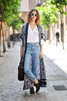 25 Ways to Make Mom Jeans Look Modern - floral print kimono worn with a white knit top + mom jeans and black oxfords | StyleCaster