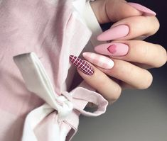 Semi-permanent varnish, false nails, patches: which manicure to choose? - My Nails Manicure Nail Designs, Valentine's Day Nail Designs, Acrylic Nail Designs, Nail Manicure, Nails Design, Art Designs, Shellac Nail Art, Pink Nails, My Nails