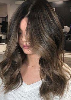 Low maintenance High Quality Balayage Hair Color Ideas for 2019 Brown Hair Balayage, Hair Color Balayage, Hair Color Highlights, Brunette Highlights, Light Brown Hair, Brunette Hair, Blonde Hair, Long Brunette, Brown Hair Colors