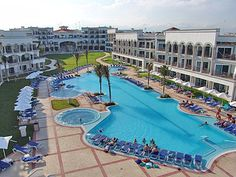 The Royal in Playa del Carmen, our resort. I can see our room!! :( I wanna go back!!