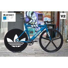 Amazing design @justrideit #fixie #nobrakes  #fixedgear  #fixieporn #fixed #design #bicycle #bike  #aero #frame #style #frame #singlespeed #cycle #bicicleta #track #pista #design  #minimal #future #concept #adidas