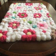 Diy Pom Pom Rug, Pom Pom Crafts, Yarn Crafts, Sewing Crafts, Quick Crochet Patterns, Doily Patterns, Finger Knitting Projects, Crochet Projects, Victorian Crafts